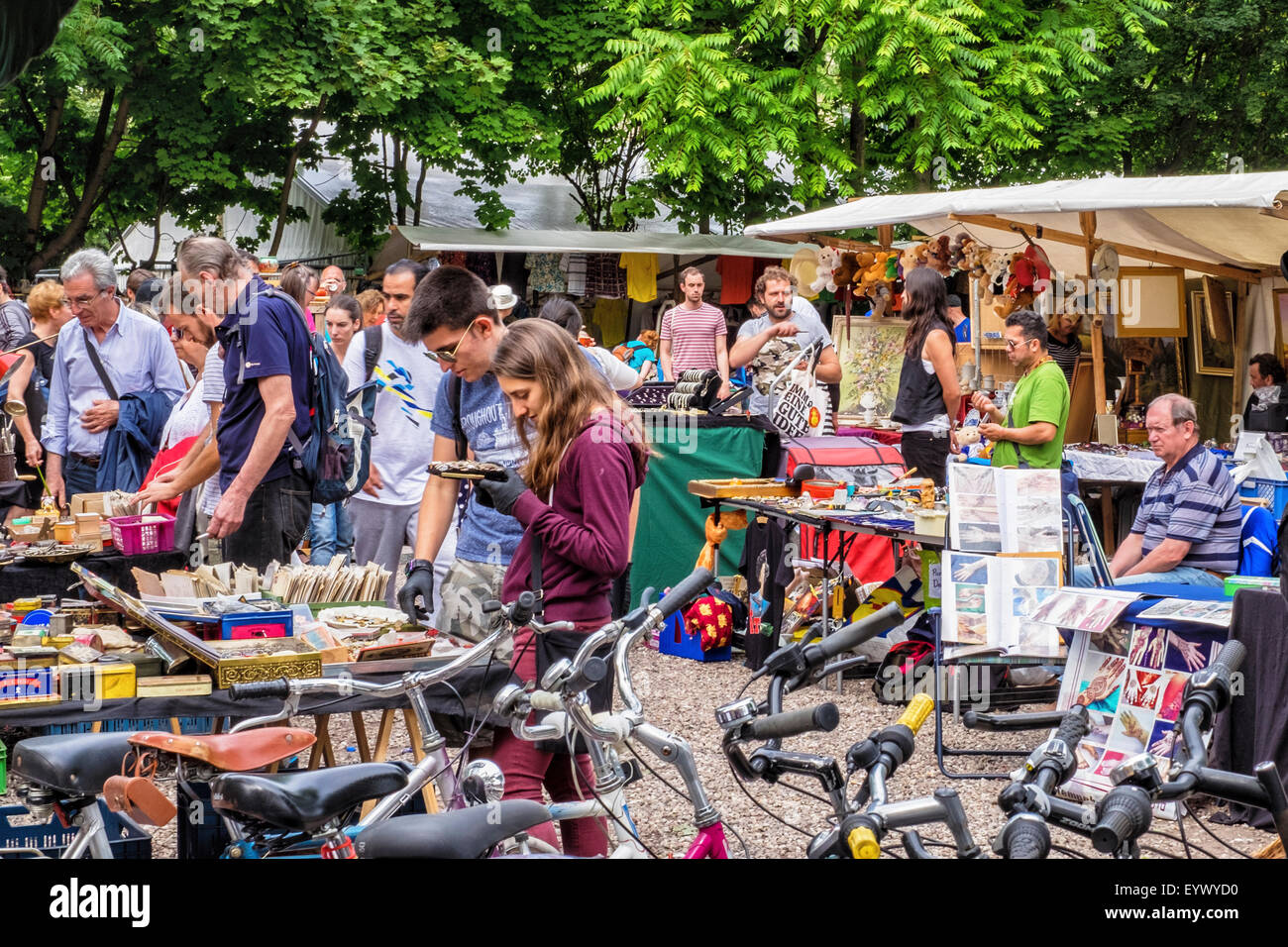 Küche Second Hand Berlin Berlin Mauer Park Flea Market Stalls Selling Second Hand