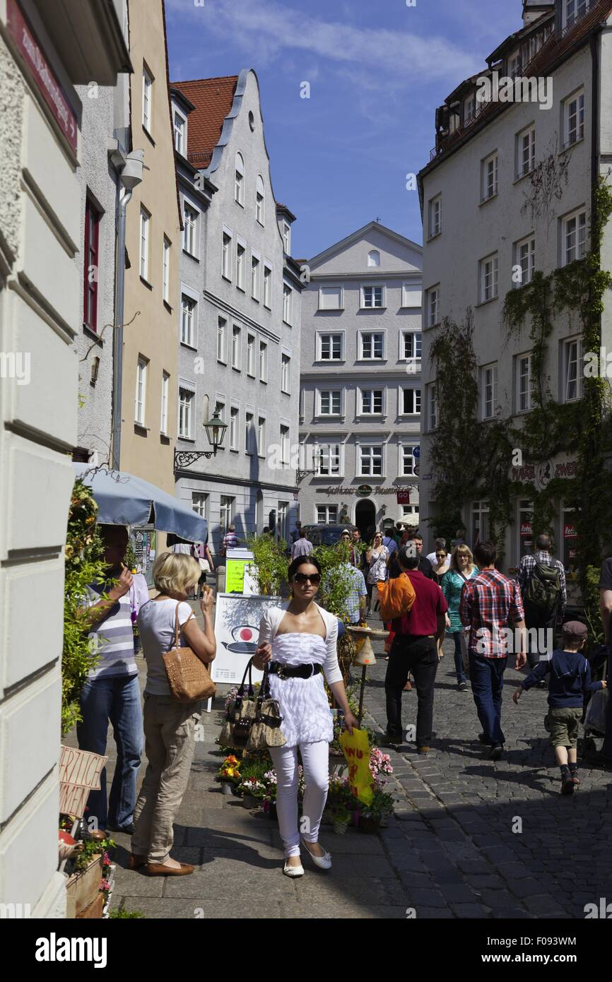 Augsburg Shopping People Shopping In White Alley Augsburg Bavaria Germany Stock