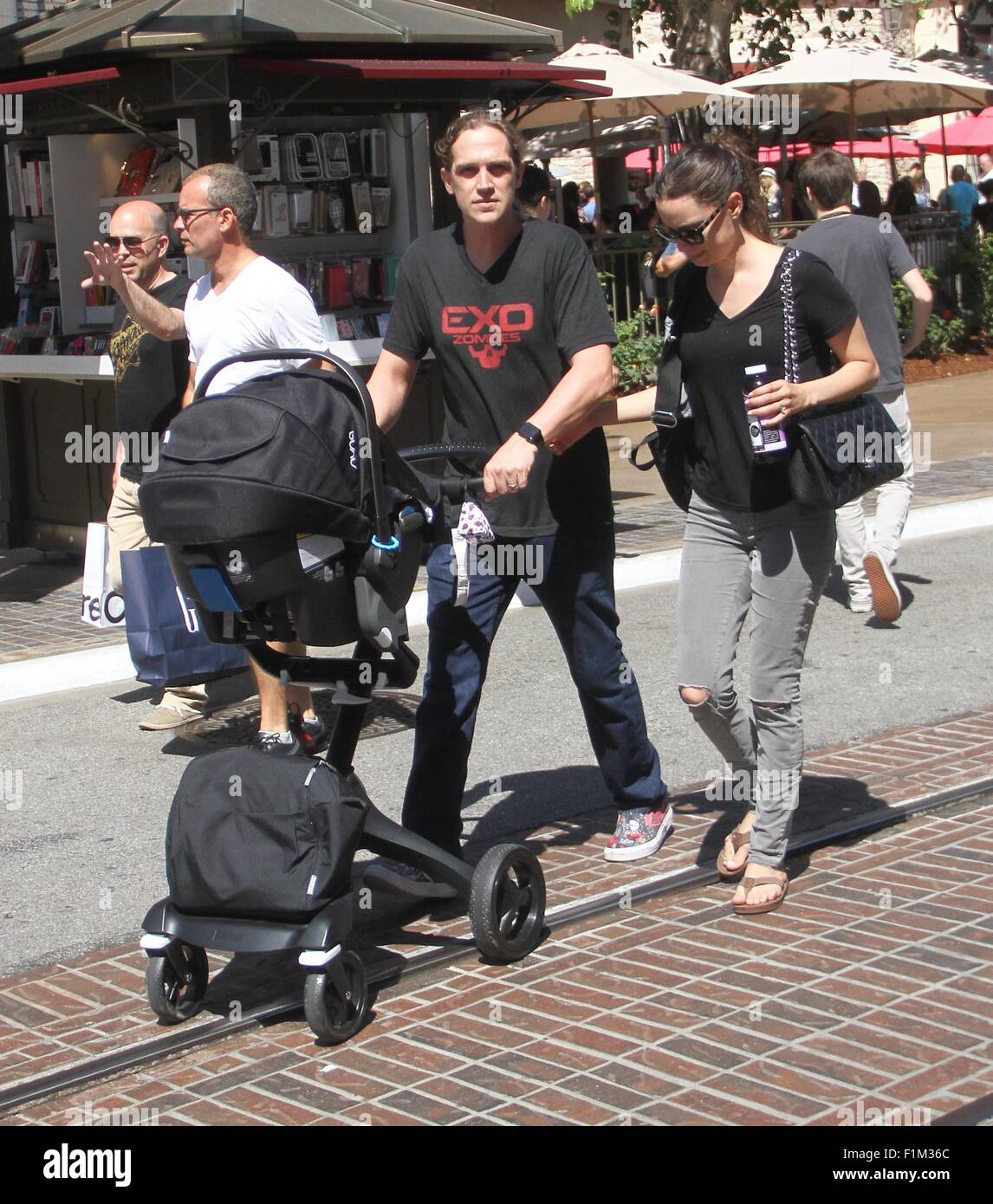 Bob Stroller Bag Jason Mewes Takes His Wife Jordan Monsanto And Their
