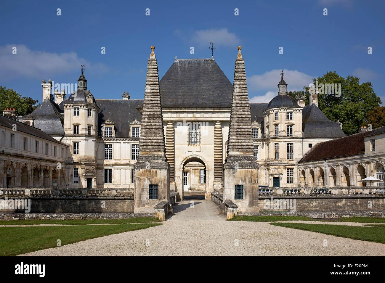 Bourgogne Chateau France Bourgogne Yonne Chateau Of Tanlay The Little Chateau