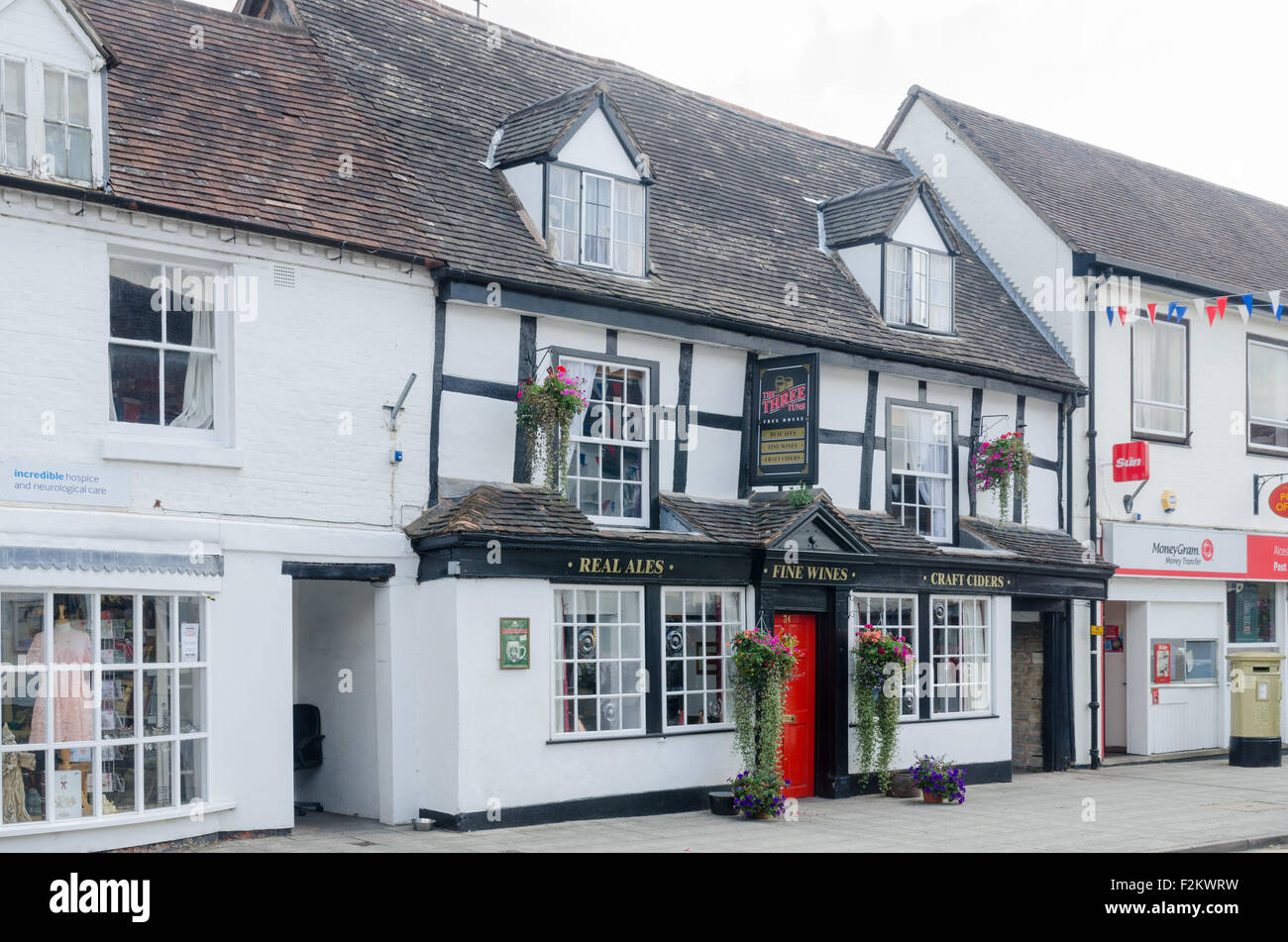 Bed And Breakfast Alcester The Three Tuns Public House In Alcester Warwickshire Stock Photo