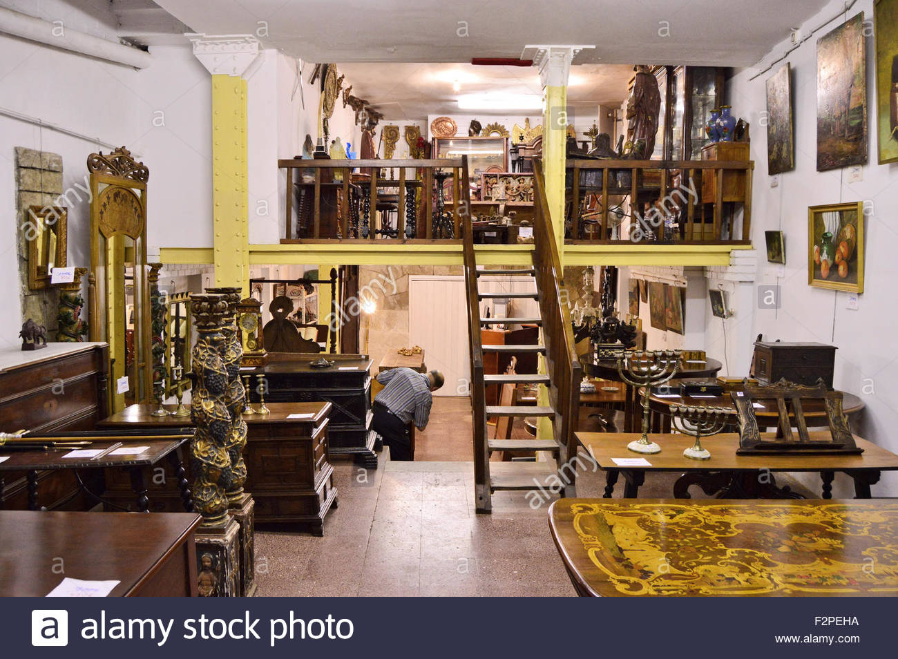 Antique Vintage Furniture Store In Barri Gotic Old Town Barcelona Stock Photo Alamy