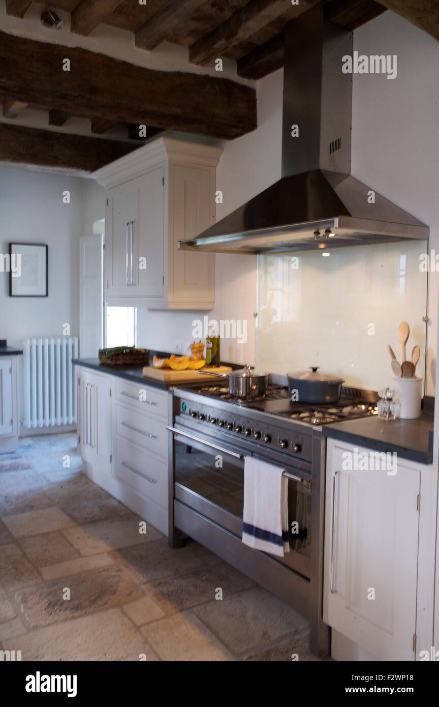 Italian Country Kitchen Modern Stainless Steel Extractor And Range Oven In Italian Country