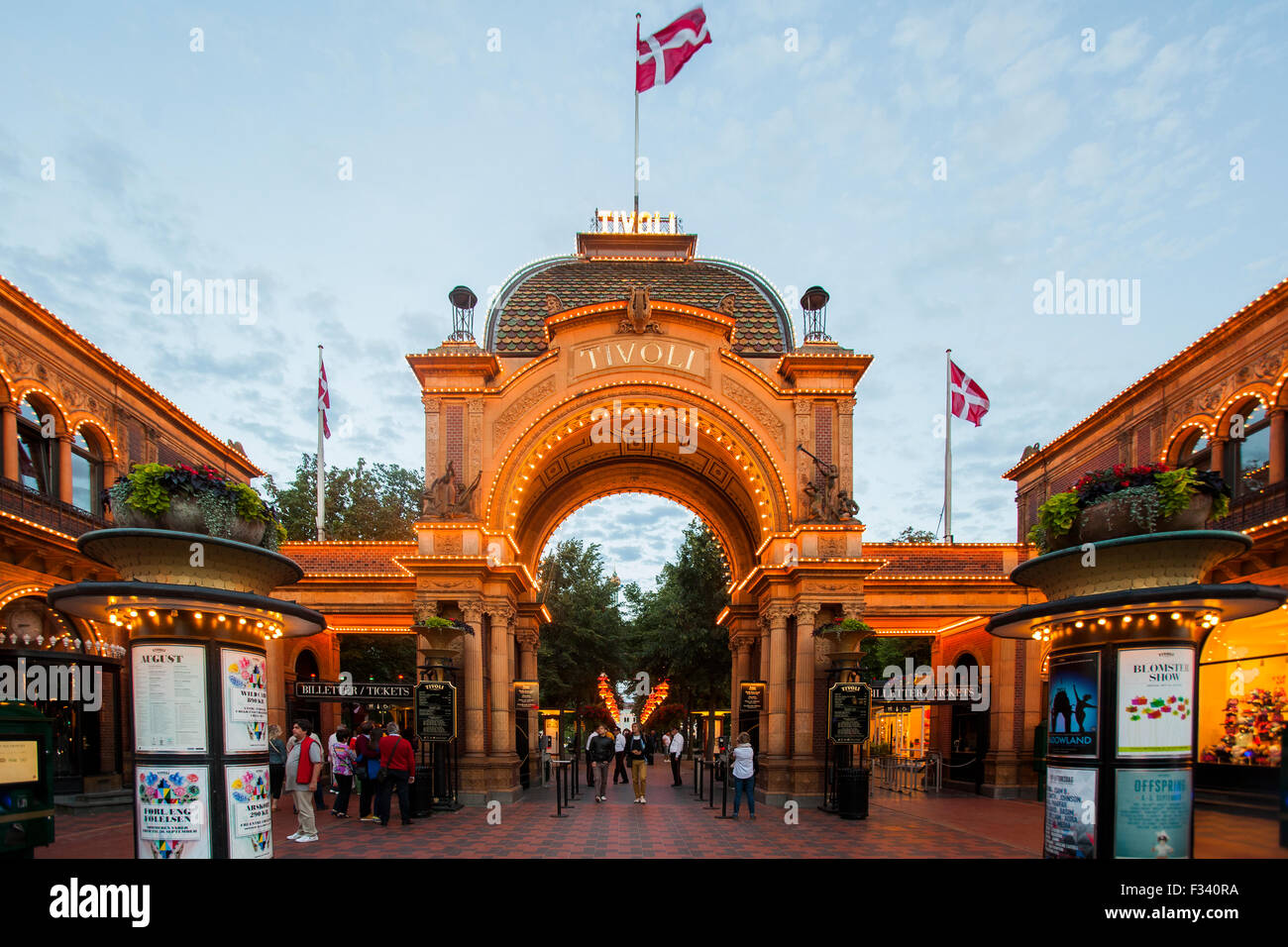 Tivoli Amusement Park Aarhus Main Entrance To Tivoli Amusement Park Copenhagen