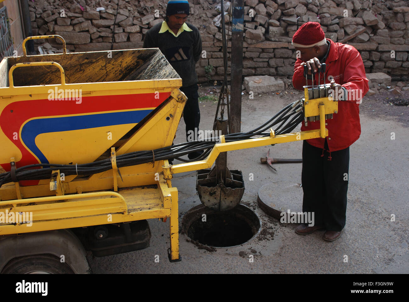 Sewage Cleaner Sewer Cleaning Stock Photos Sewer Cleaning Stock Images Alamy