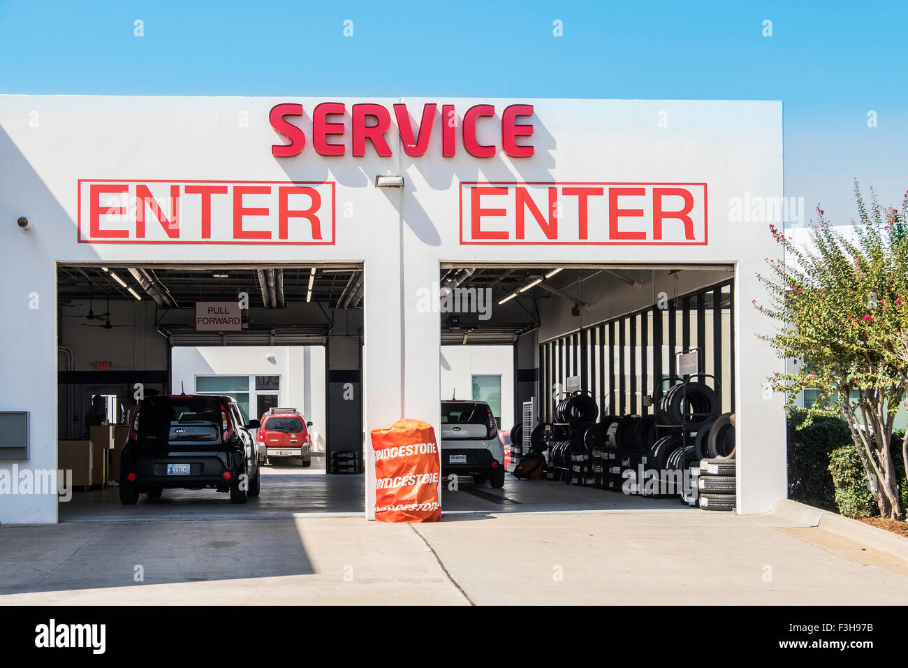 Garage Builders Okc A Service Garage Exterior For A Kia Dealership In Oklahoma City