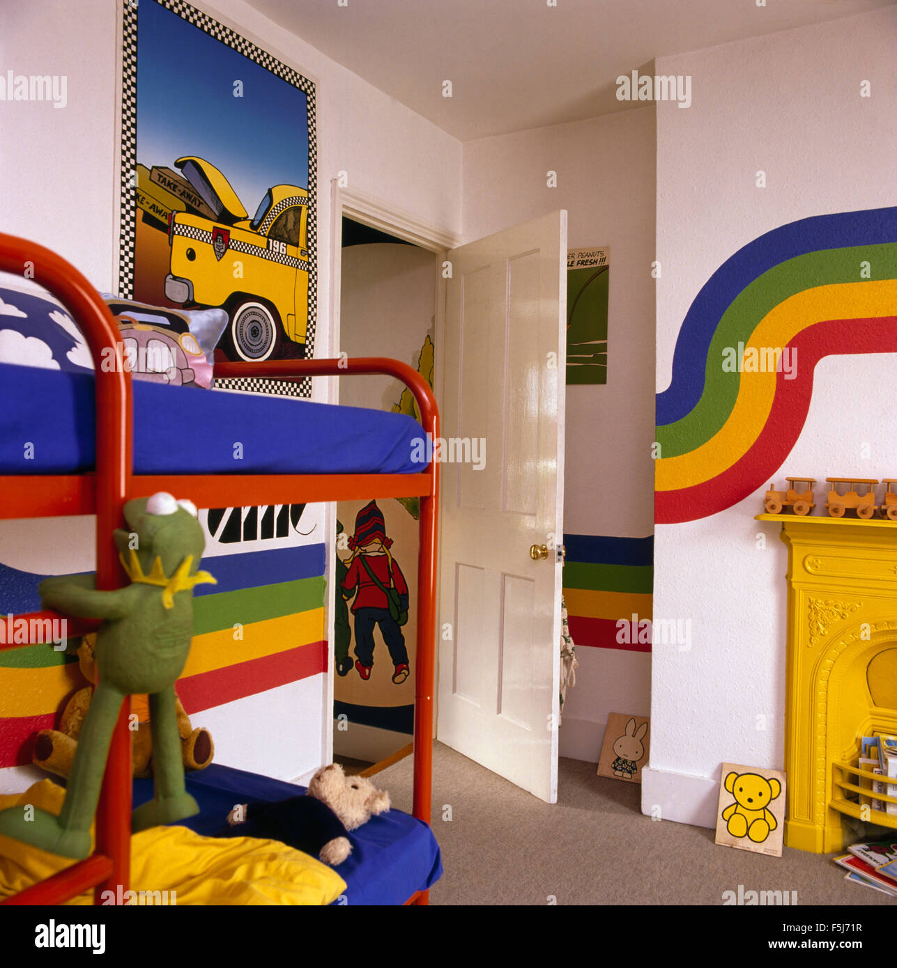 Rainbow Kids Rooms Rainbow Stripes Painted On Walls Of A Children 39s Colorful