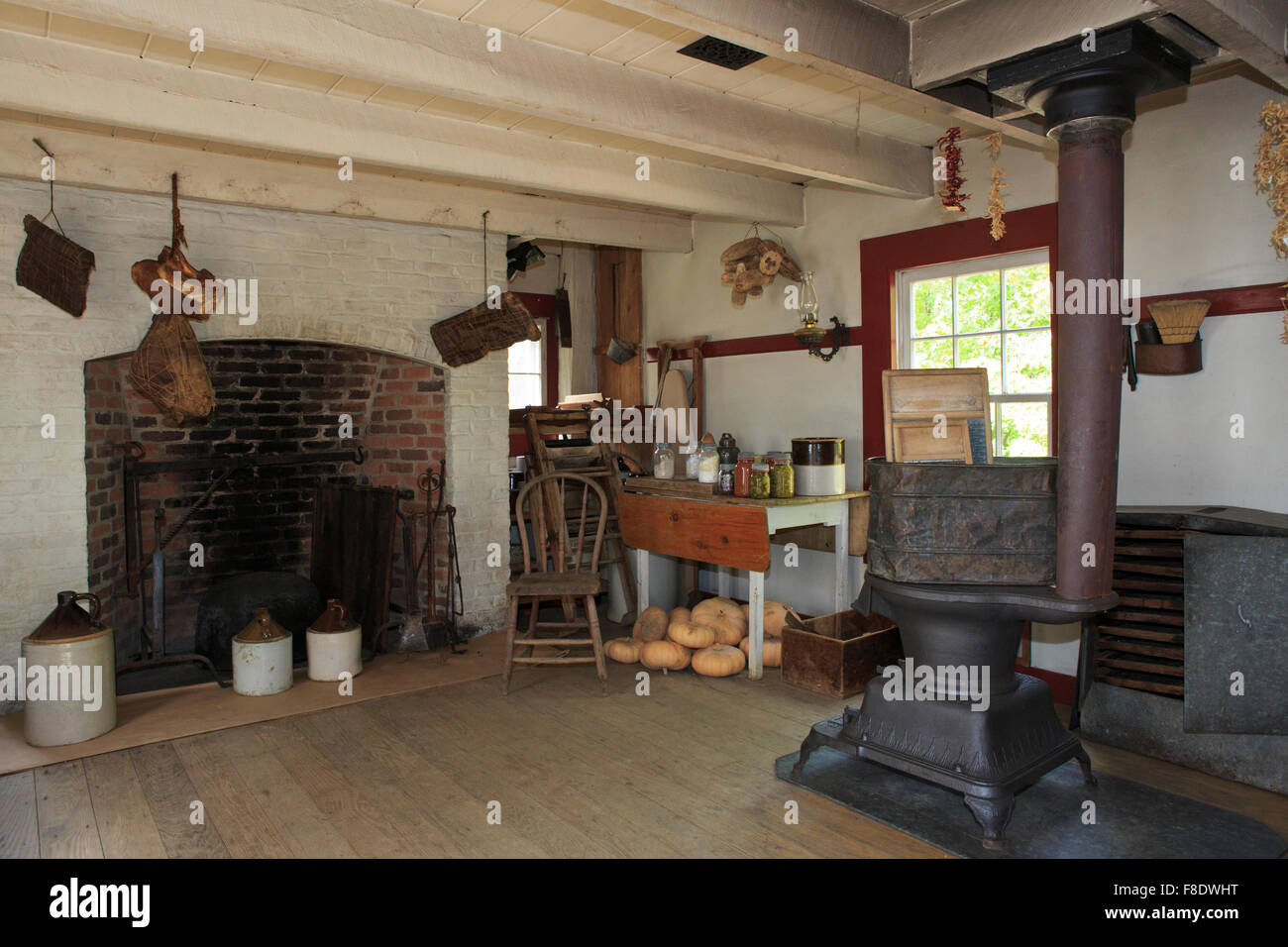 Summer Kitchen At An Old Farmhouse Stock Photo 91274564