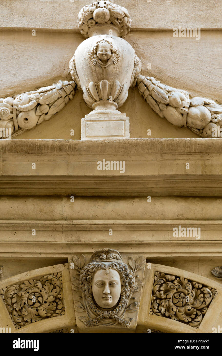 Decoration Nimes Hotel Besserie Renaissance Decoration Nimes Gard France Stock