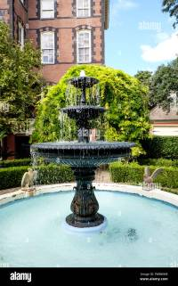 Fountain in Japanese water garden of Calhoun Mansion ...