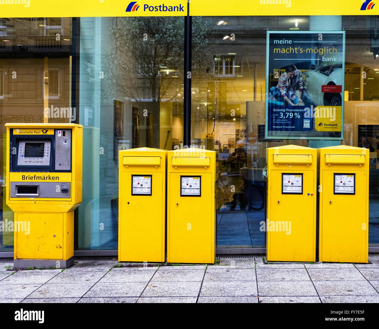 Office Günstig Stuttgart Postbank Post Office With Yellow Stamp Vending Machines