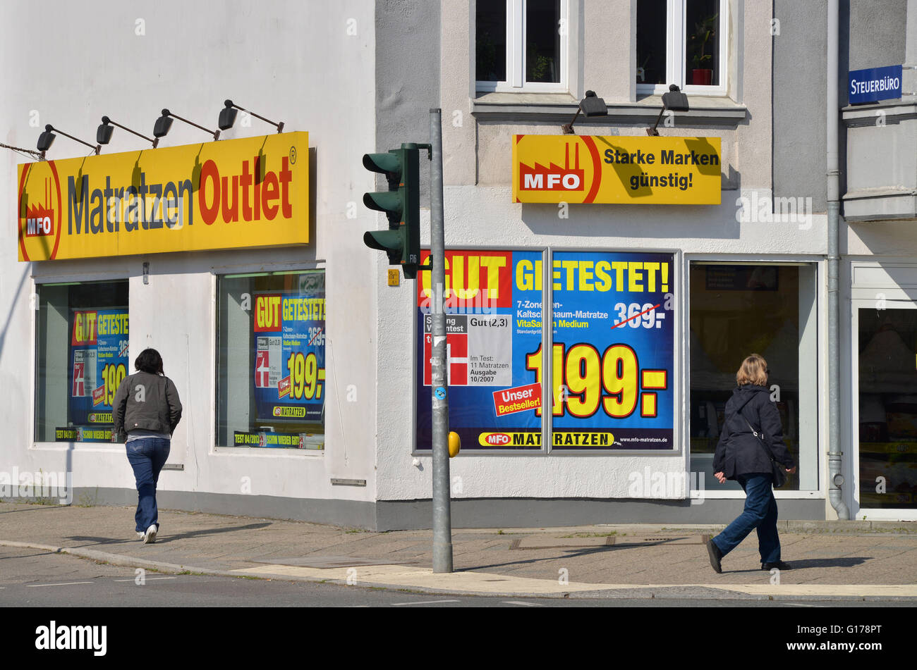 Matratze Berlin Matratzen Outlet Unter Den Eichen Lichterfelde Berlin Stock Photos