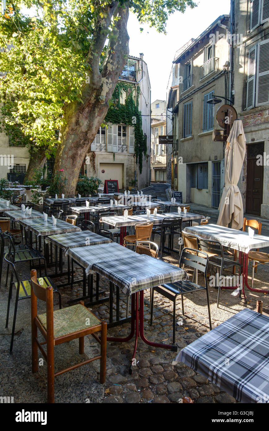 Restaurant Terrasse Avignon Tables Chairs Outside Restaurants In Stock Photos & Tables