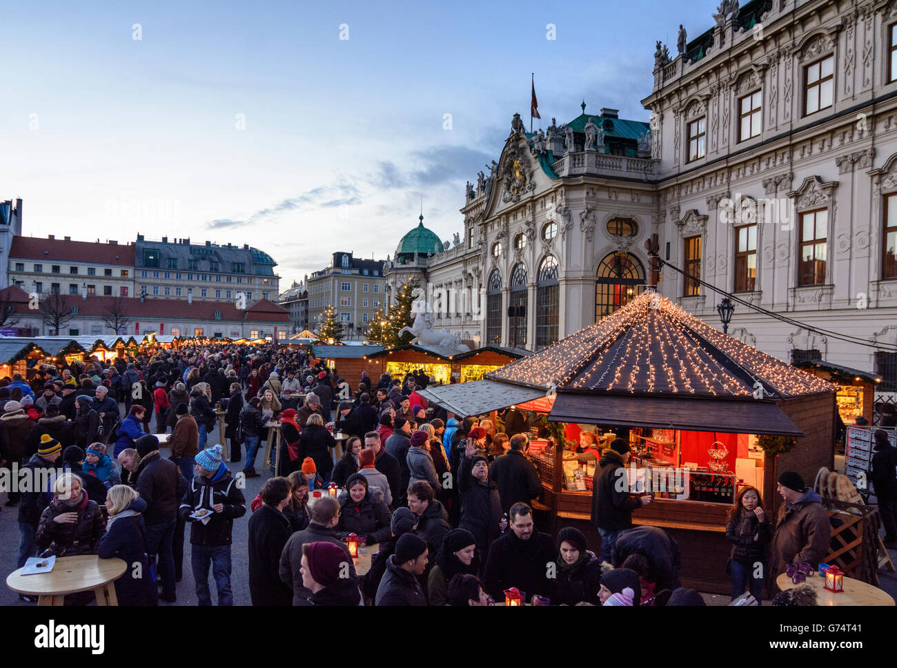Bel Veder Dortmund Advent And Christmas Market In Front Of Belvedere Palace Wien