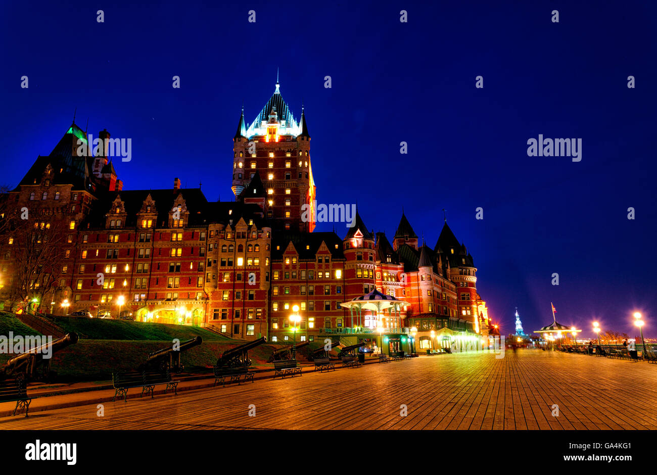 Terrasse Dufferin Terrasse Dufferin Chateau Frontenac Quebec City Stock