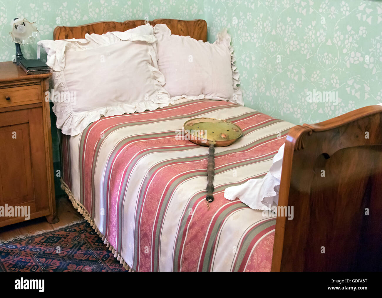 Bed Heater Bed Heater Stock Photos Bed Heater Stock Images Alamy