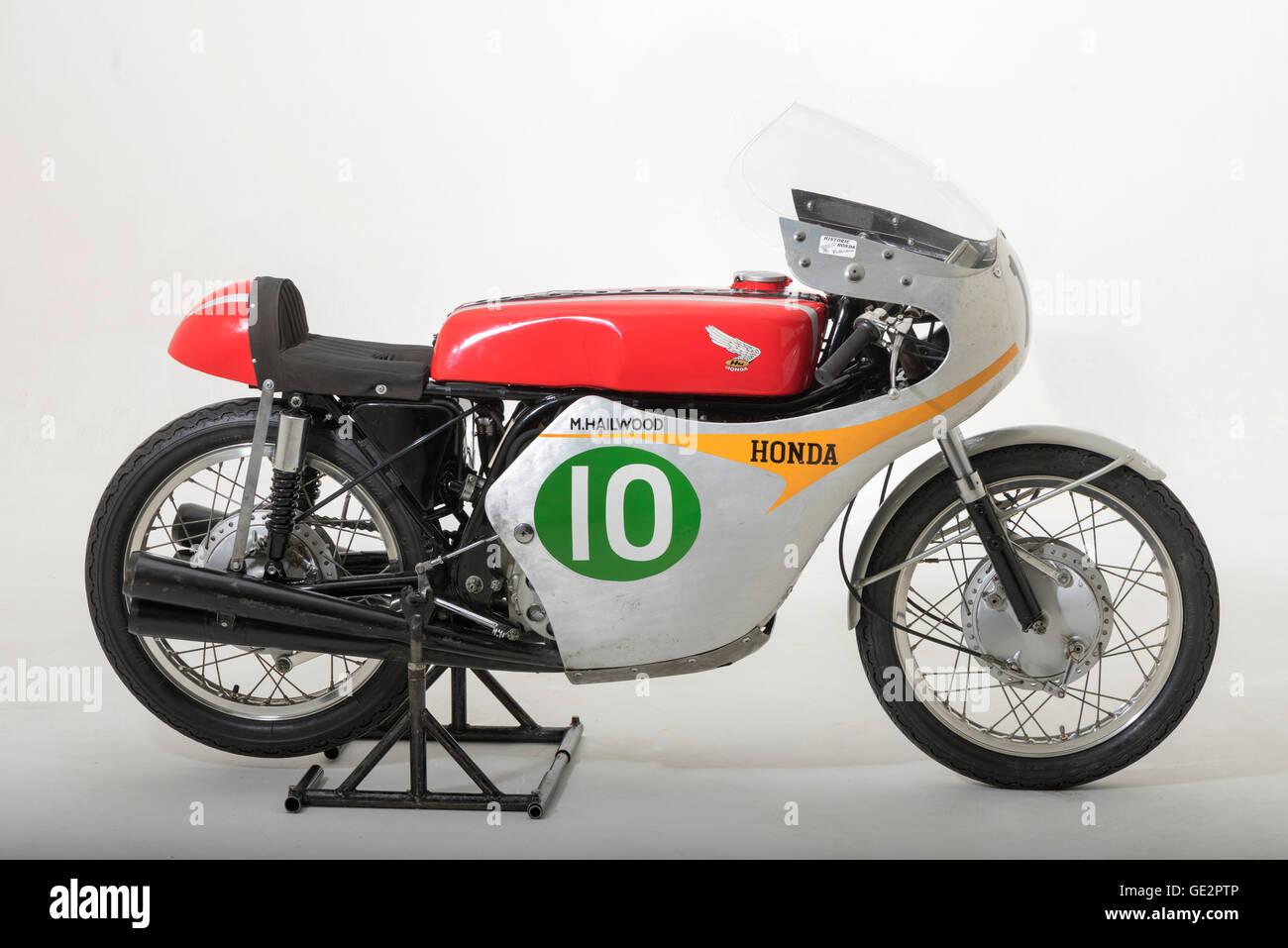 1961 honda rc162 mike hailwood stock image