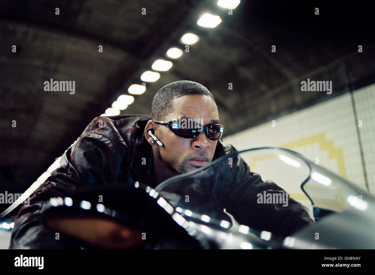 I Robot I Robot Will Smith 2004 Del Spooner Stock Photos I Robot Will