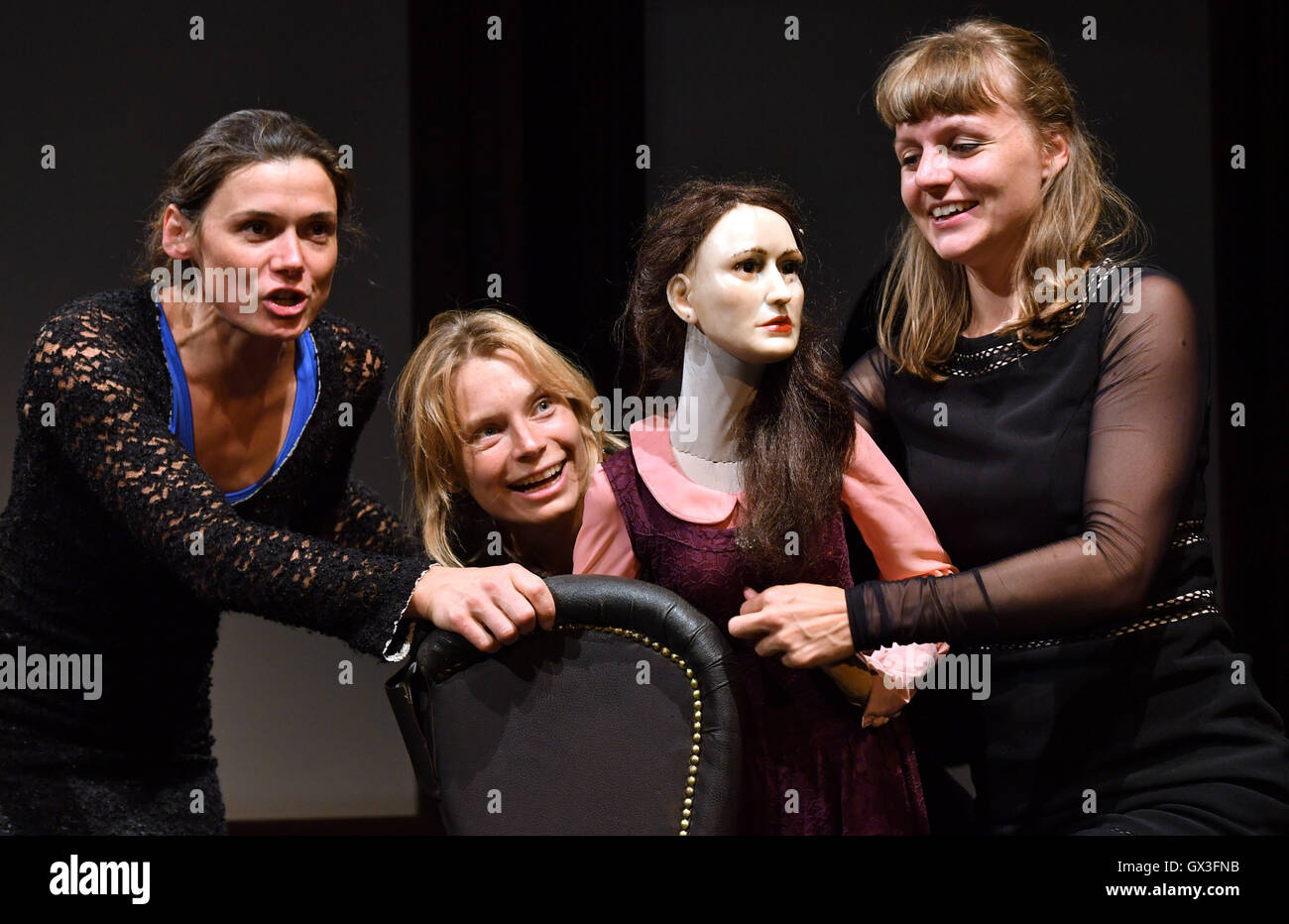 Puppentheater Halle Erfurt Germany 15th Sep 2016 Ivana Sajevic L R Marie Stock