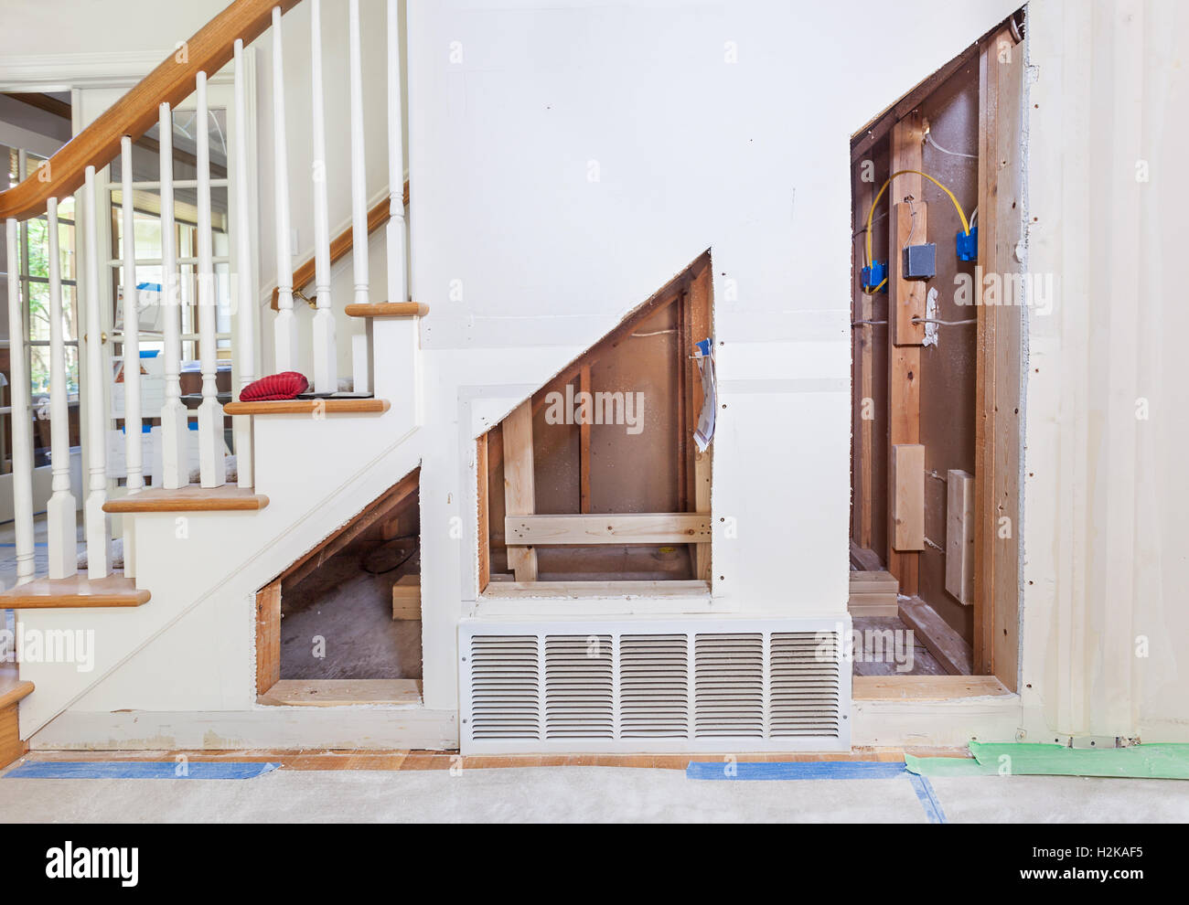 Unter Treppenschrank Under Stairs Stock Photos And Under Stairs Stock Images Alamy