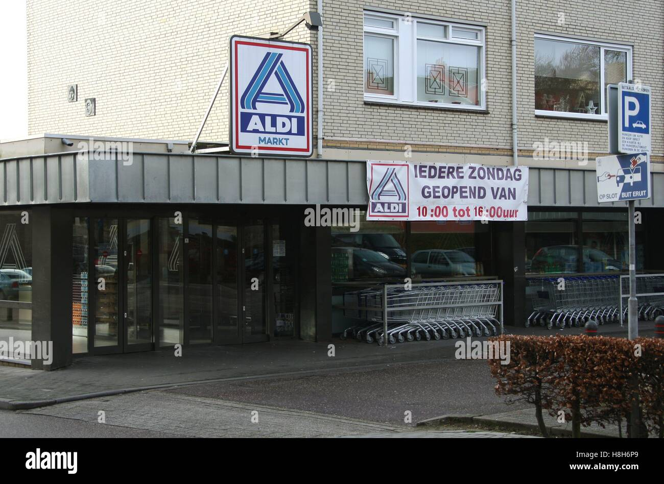 Valkenburg Zondag Aldi Supermarket On Koningswinkelstraat In The Market Town Of