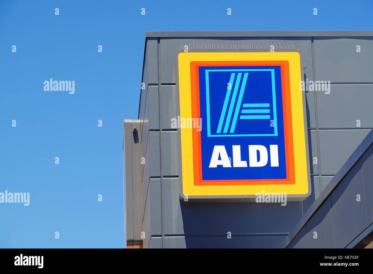 Aldi Reclame Aldi Supermarket Store Sign Stock Photos And Aldi