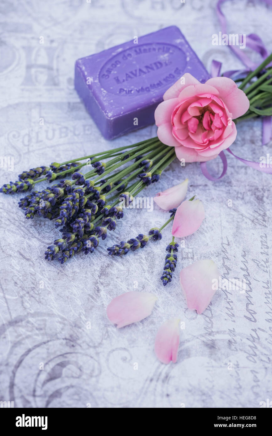 Decoration Florale Florale Decoration Pink Rose On Lavender Lavender Soap Single