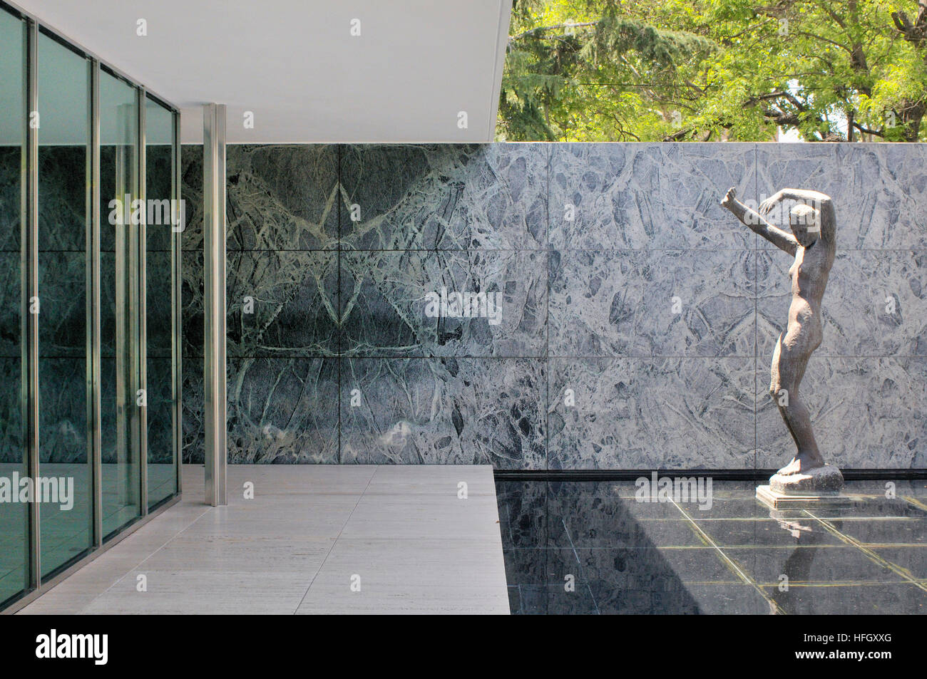 The Fundació Mies Van Der Rohe German Pavilion For The 1929 Stock Photo Alamy