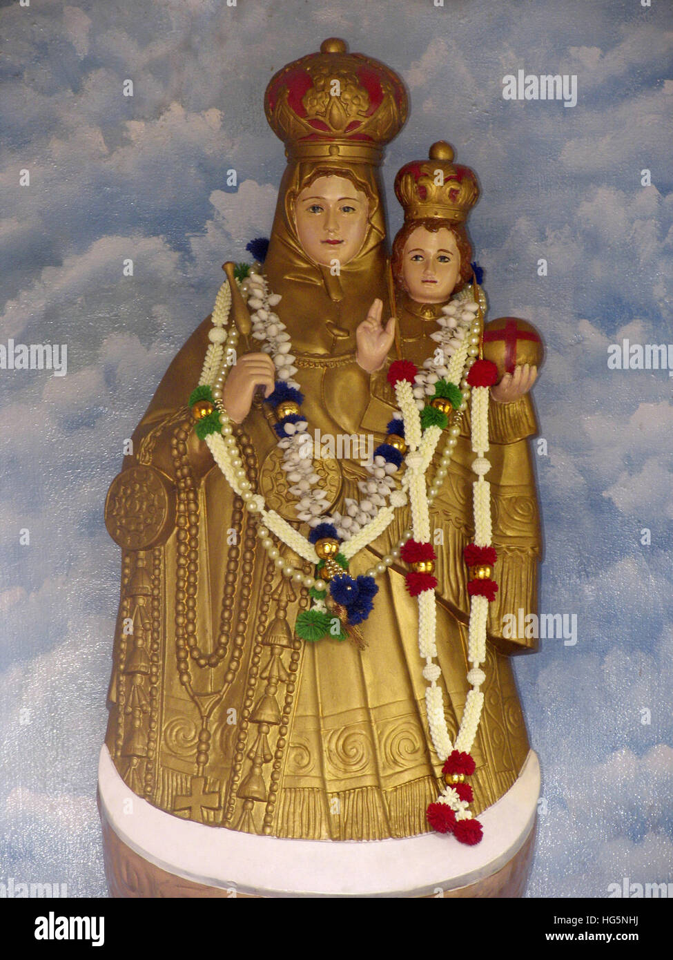 Jesus Hd Live Wallpaper Free Download Statues Of Mother Mary And Jesus Christ At Nelliyampathy