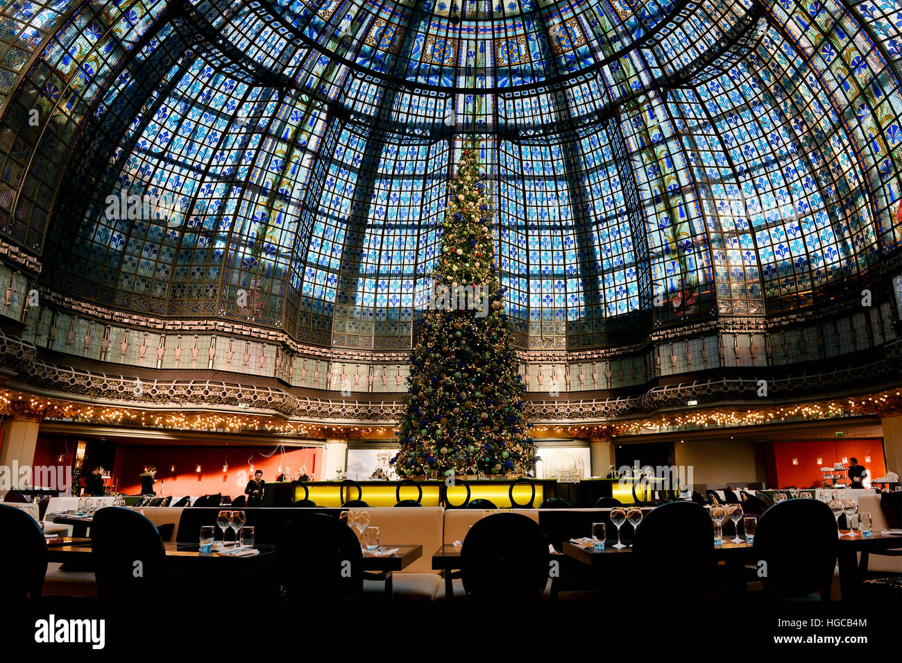 Le Printemps Paris Glass Roof In Le Printemps Haussmann Paris France Stock Photo