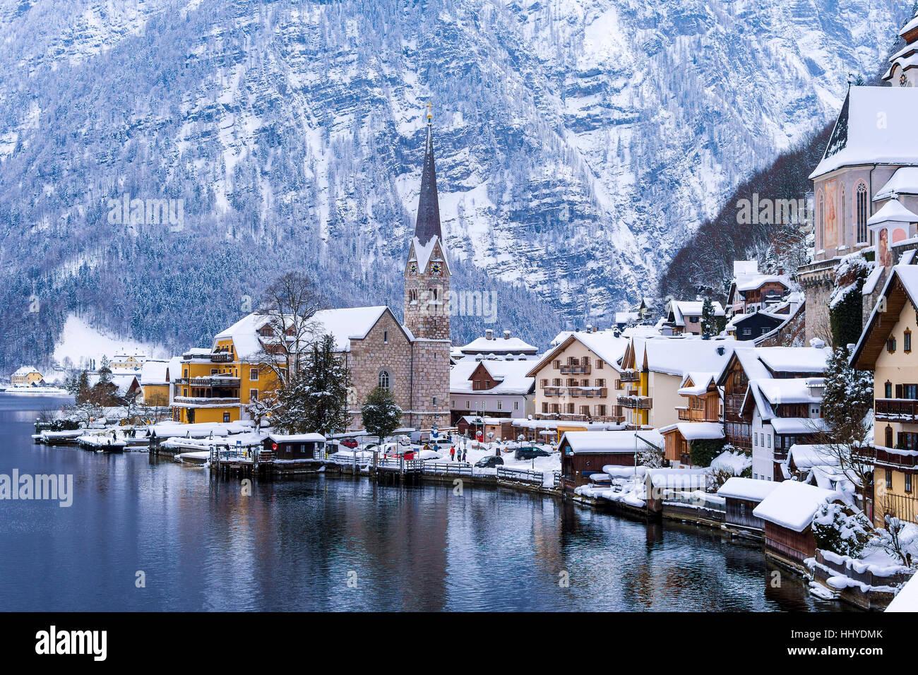 Falling Water Live Wallpaper Hallstatt And Hallstatterr See Mountain Lake Winter Day