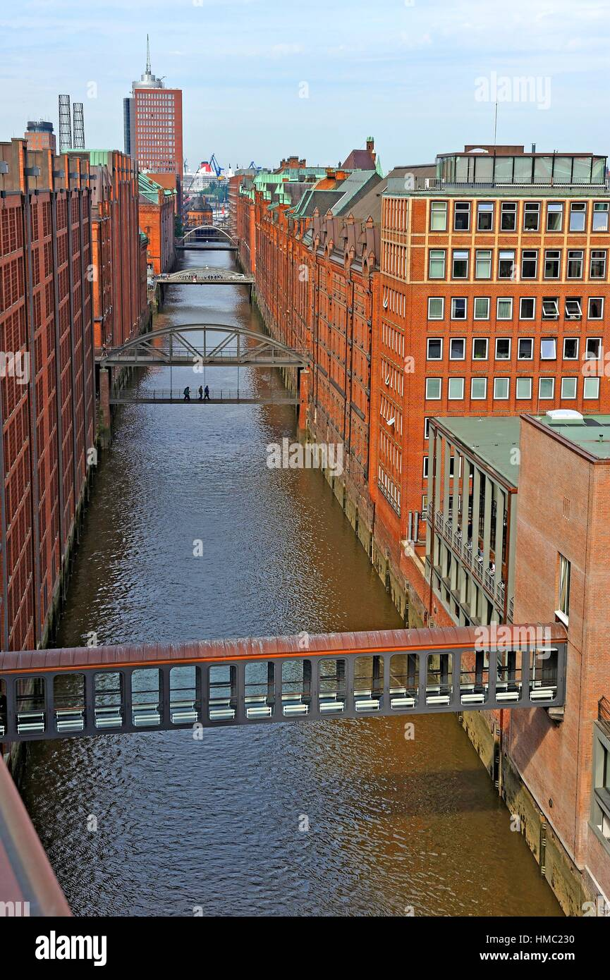 Ameron Hotel Speicherstadt Footbridge Of Ameron Hotel Speicherstad Over The Brooksfleet Canal