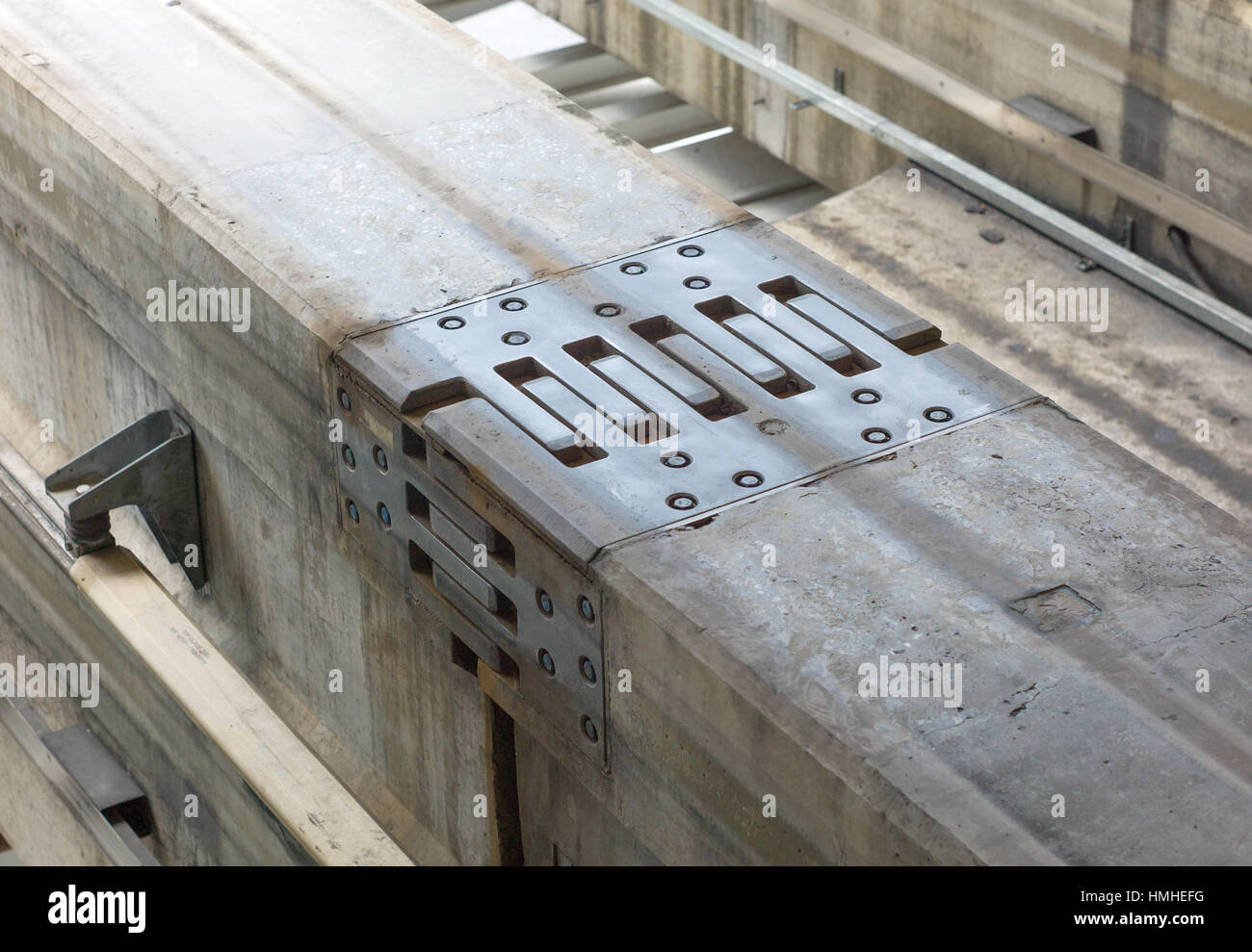 Dehnungsfuge Beton Steel Plate Expansion Joint In Concrete Monorail Track