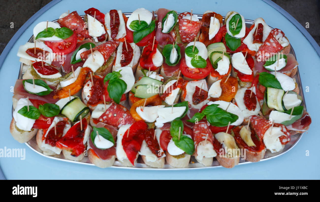Kleine Party Snacks Little Party Spits With Snacks Stock Photo 138340256 Alamy