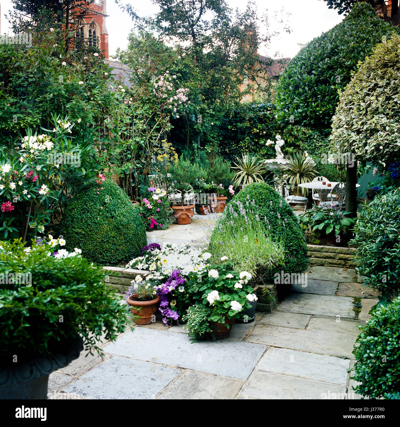 Interior Garden Courtyard High Resolution Stock Photography And Images Alamy