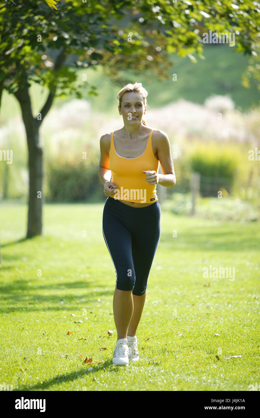 Jogging Run Time Park Jogger Park Meadow Leisure Time Hobby Sport