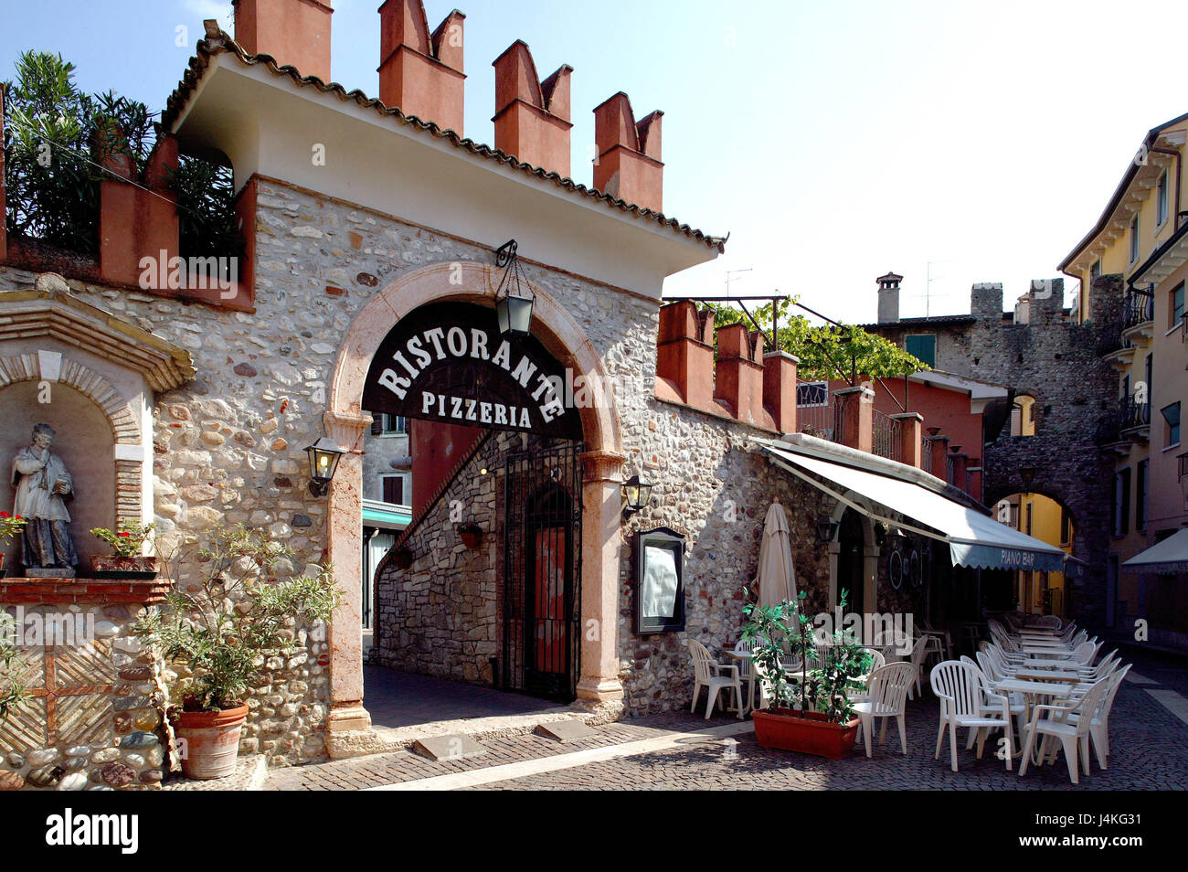 Restaurants In Bardolino Bardolino Cafe Stock Photos And Bardolino Cafe Stock Images