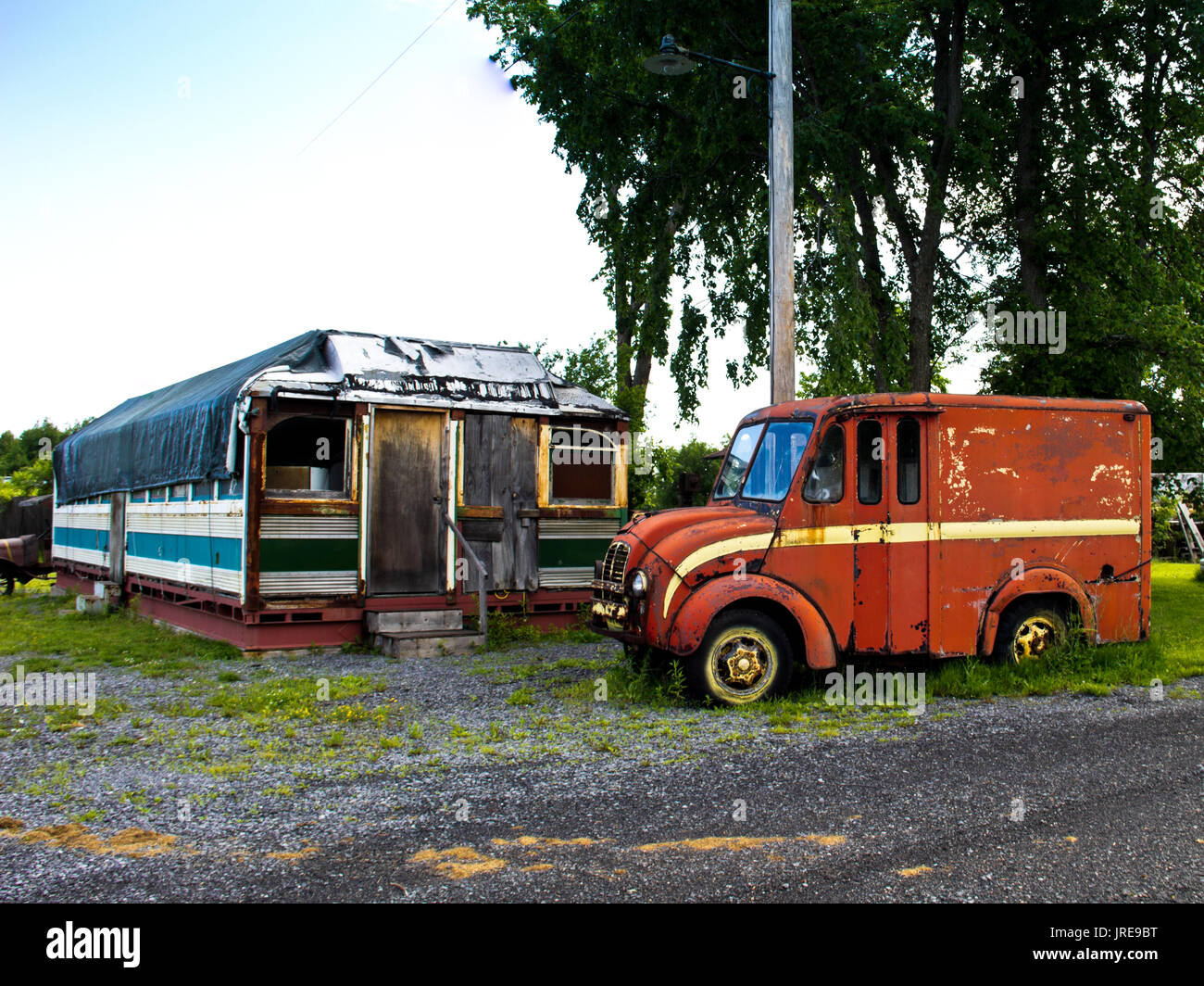 Diner Delivery An Antiquated Delivery Rruck And A Dilapidated Diner Sit Out In
