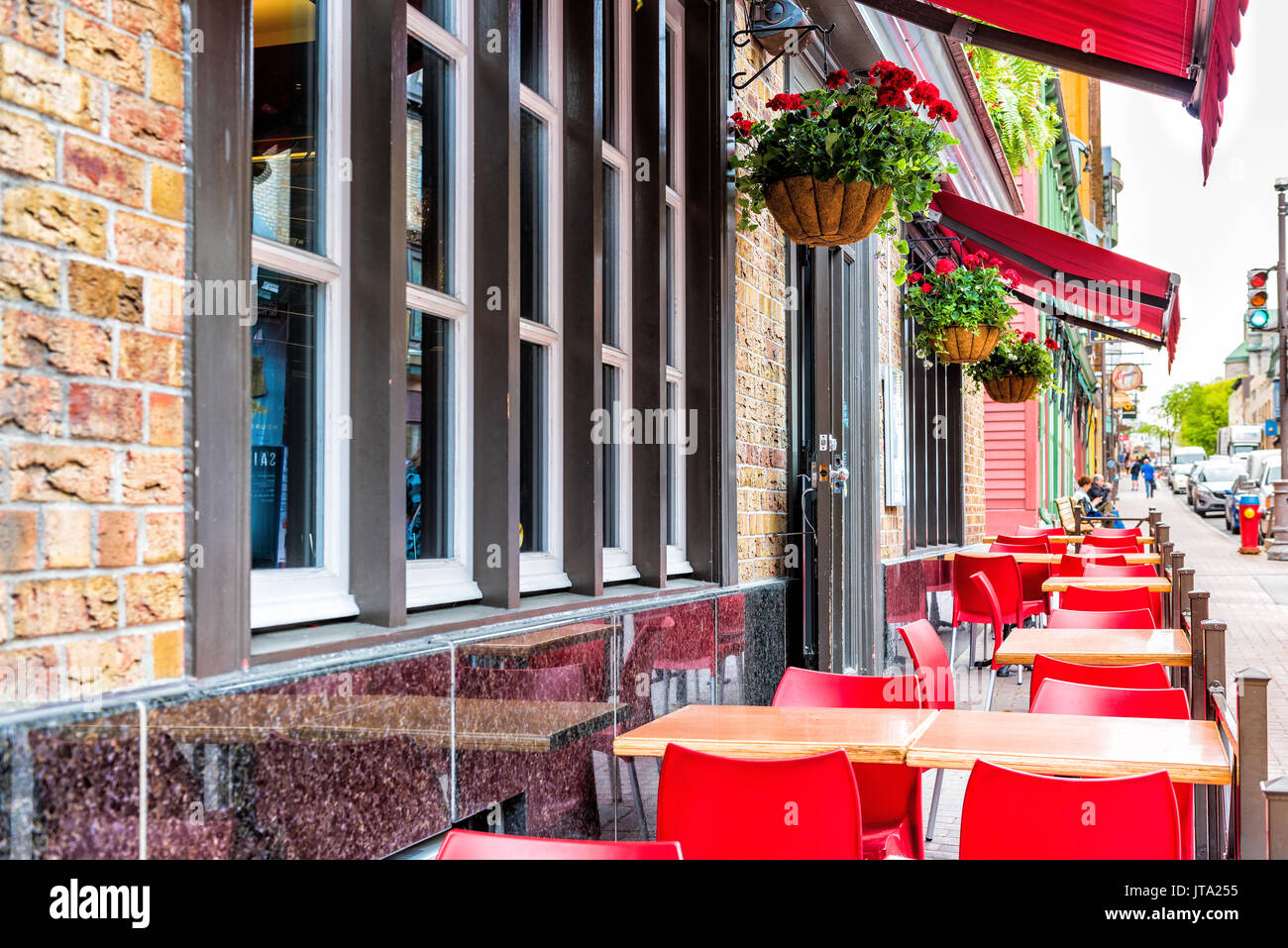 Restaurant Tables Canada Tables Chairs Sidewalk Summer City Stock Photos And Tables
