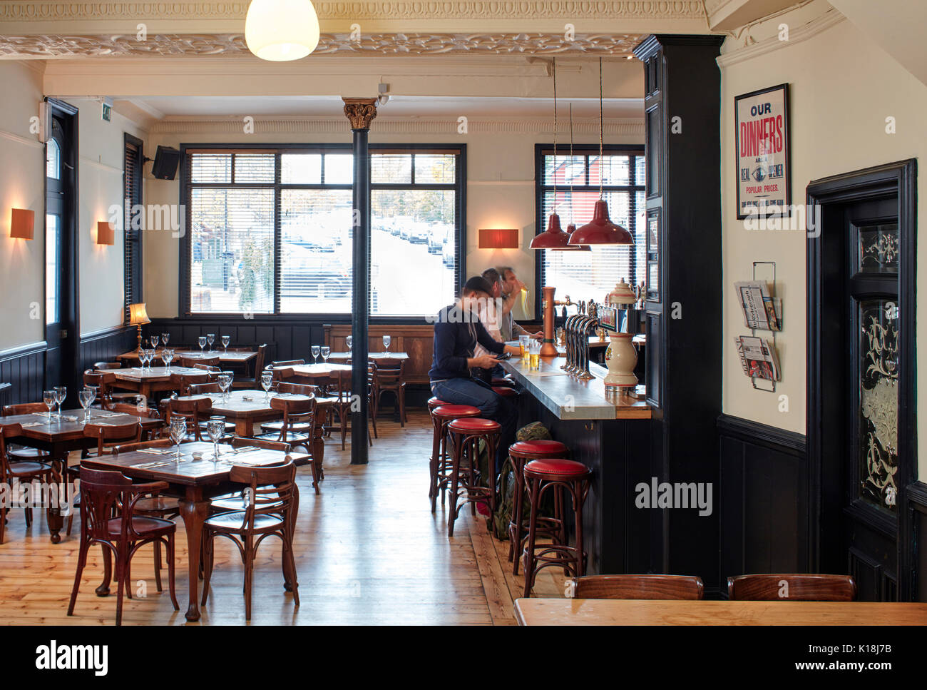 Gastro Design London Gastro Pub Interior Stock Photo 155697903 Alamy