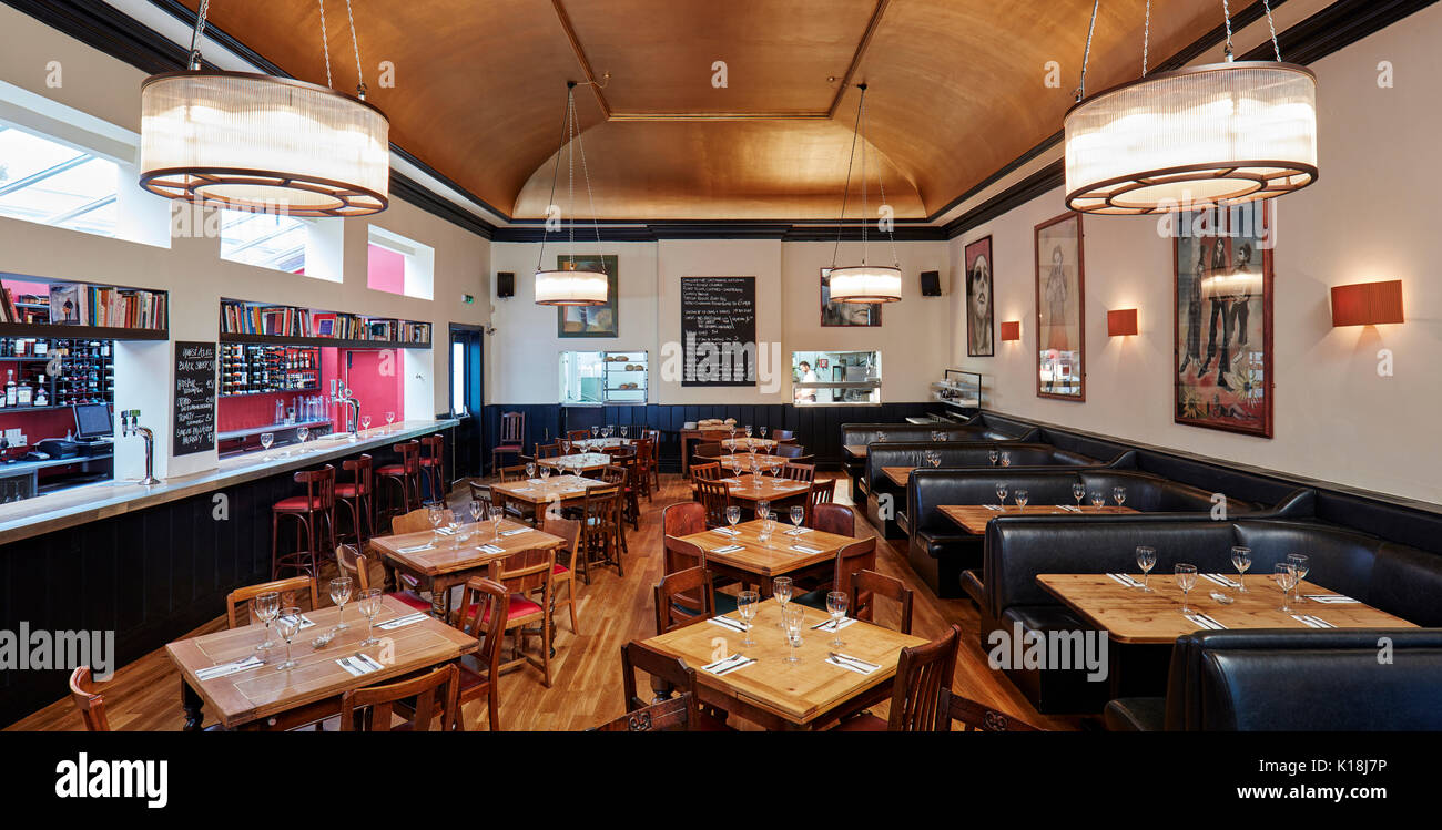 Gastro Design London Gastro Pub Interior Stock Photo 155697914 Alamy