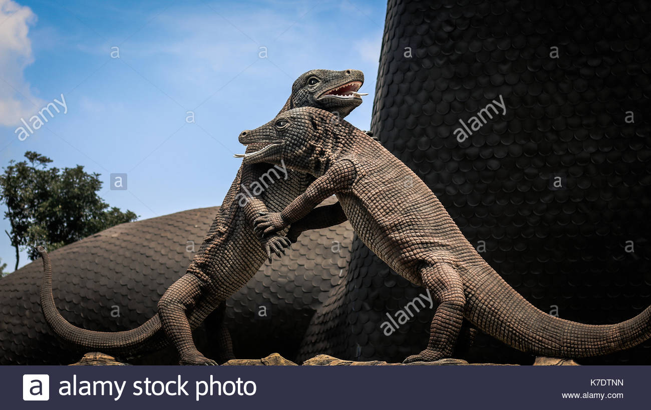 Giant Dragon Statue Giant Monitor Stock Photos And Giant Monitor Stock Images