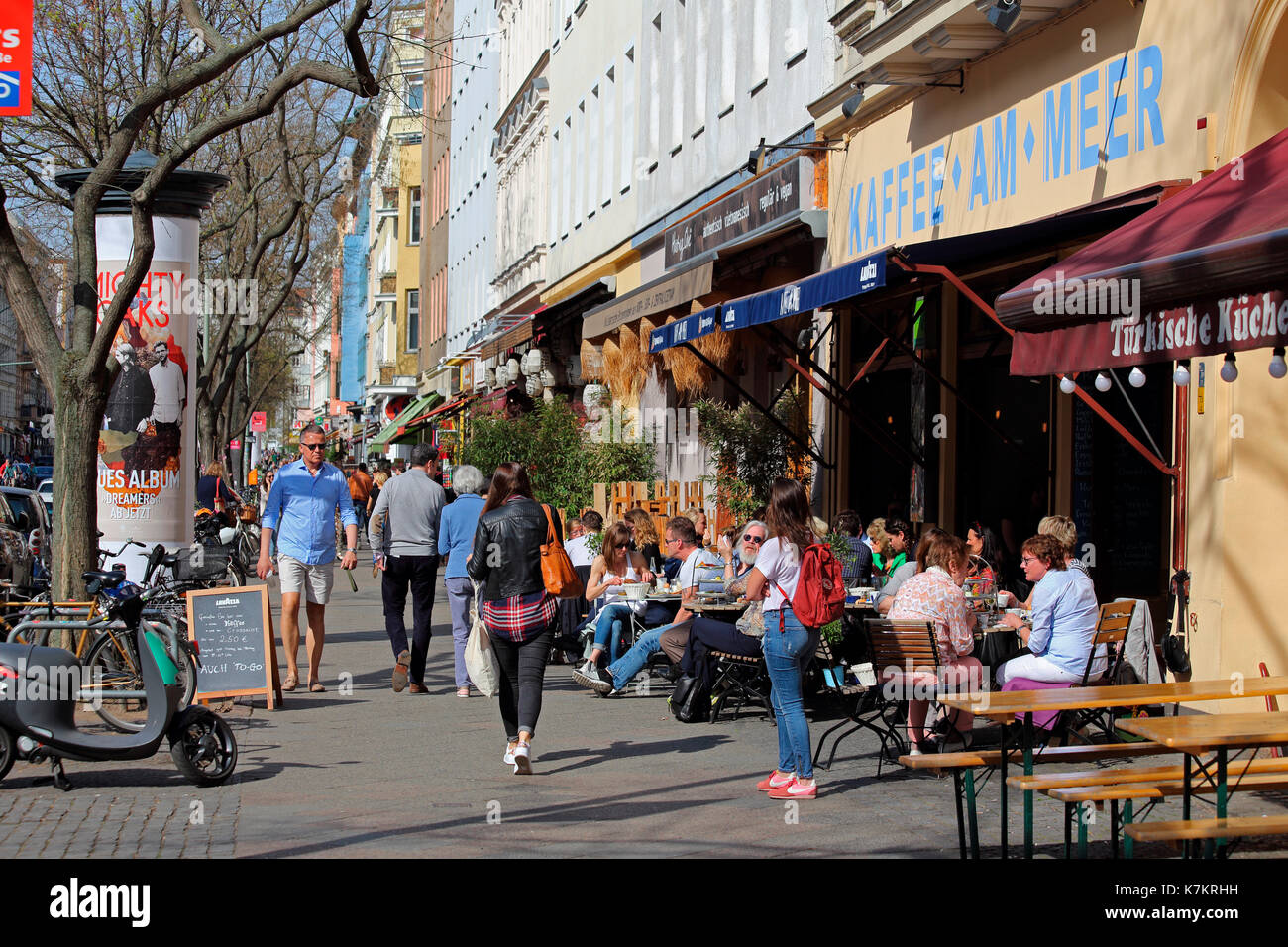 Küche Bar Kreuzberg Berlin Bergmannstr Kreuzberg Stock Photo 159631517 Alamy