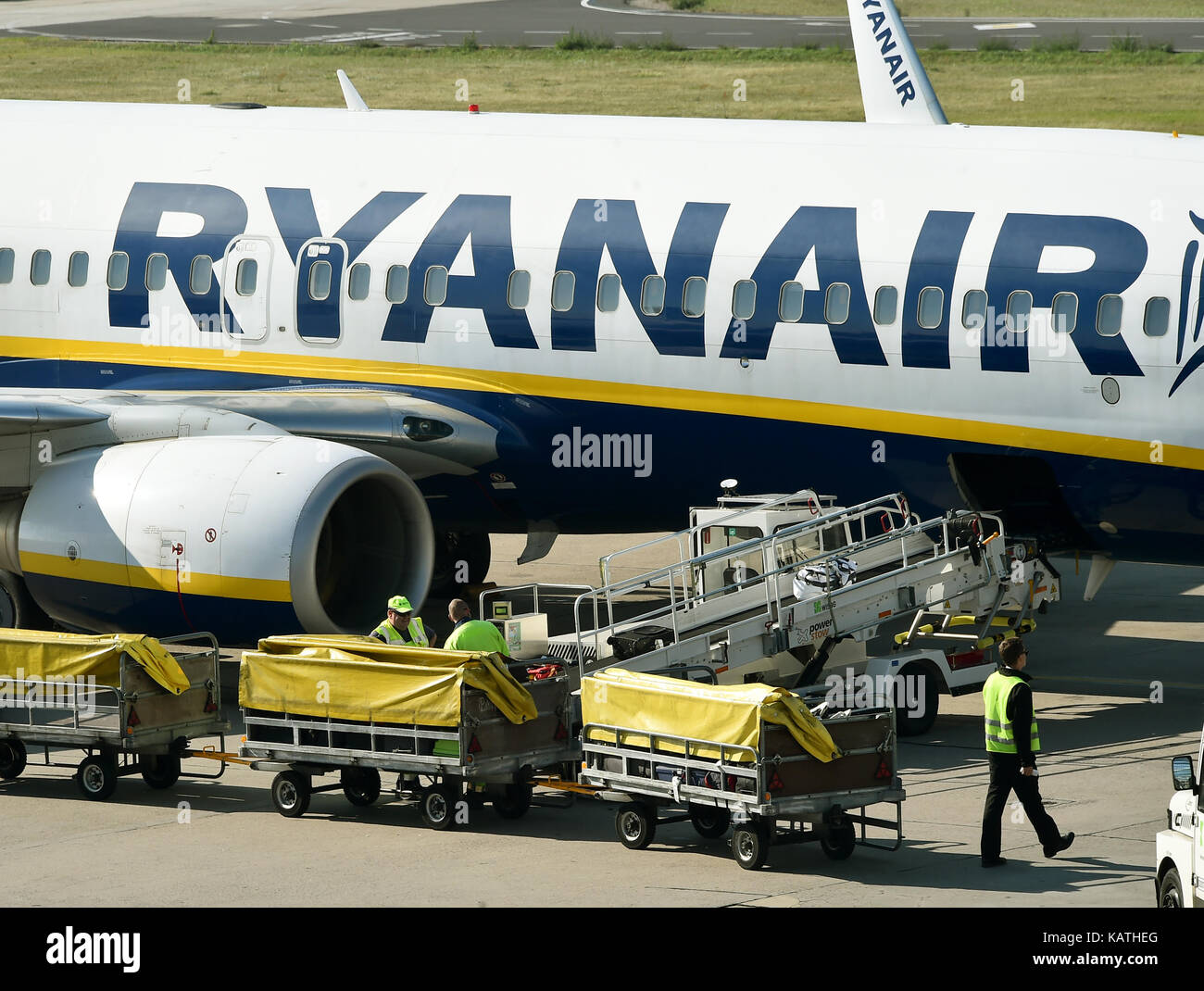 Berlin Schönefeld Ryanair Gate Sxf Stock Photos And Sxf Stock Images Alamy