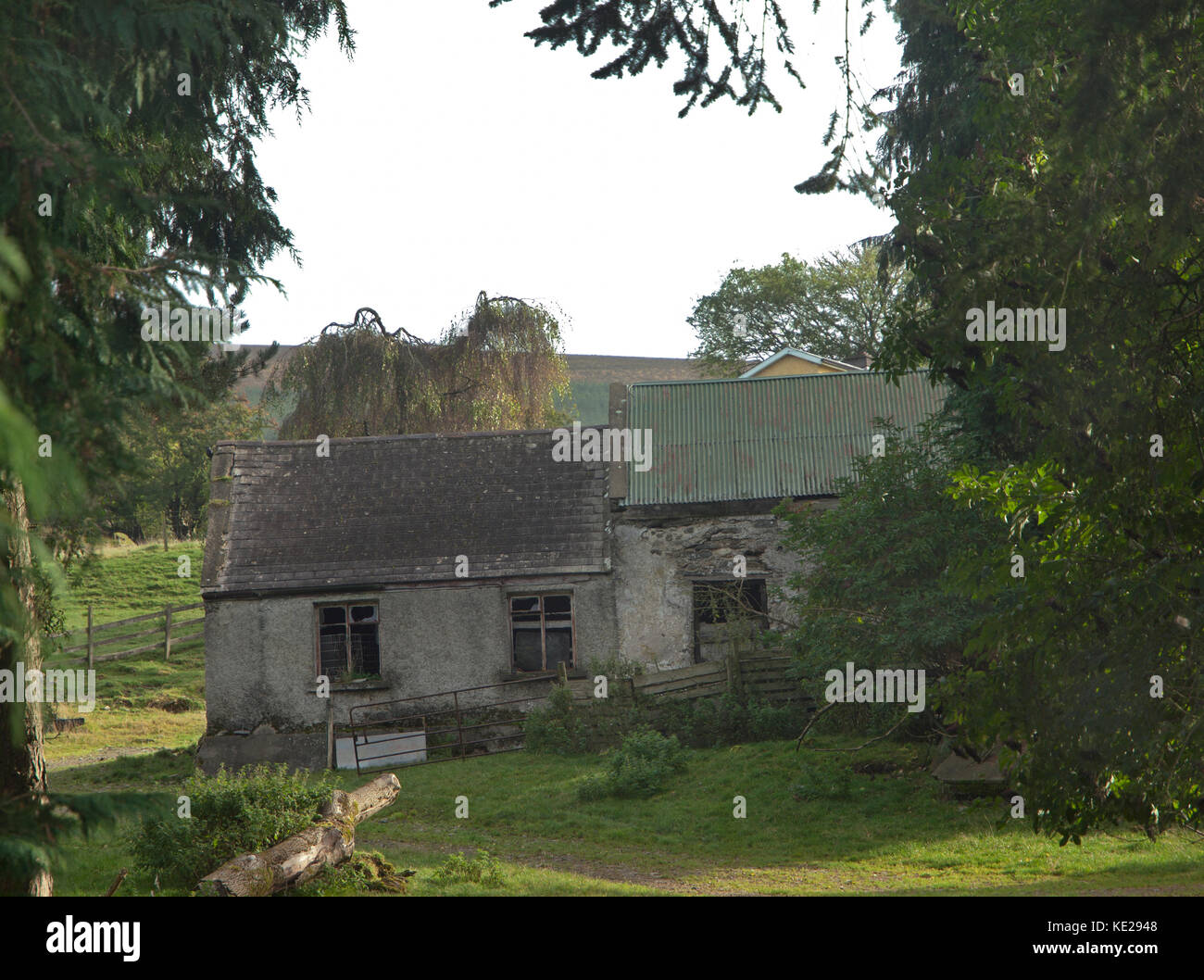 Abandoned Farm House In Ireland High Resolution Stock Photography And Images Alamy