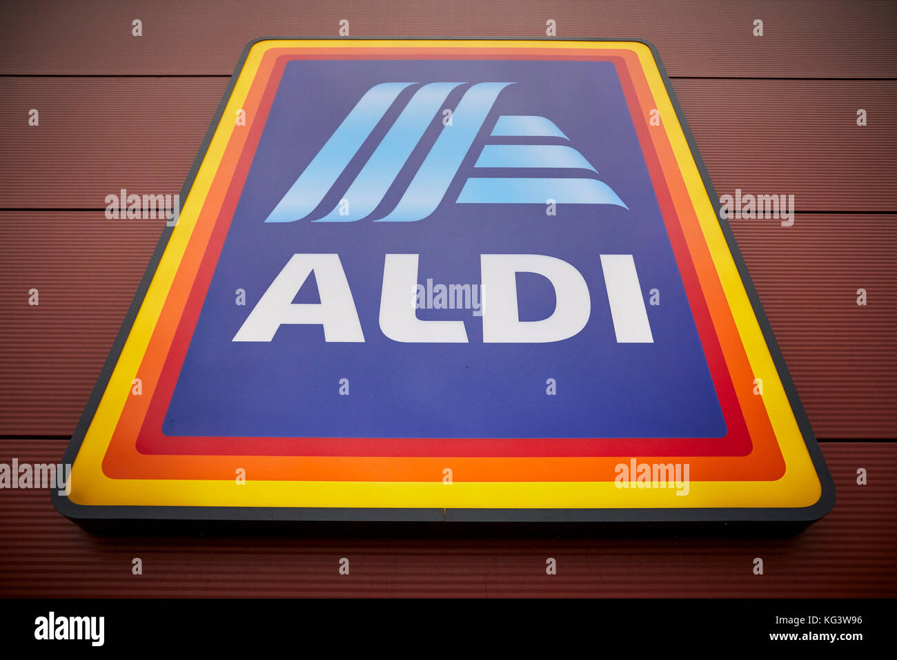 Aldi Reclame Aldi Supermarket Logo Stock Photos And Aldi Supermarket Logo