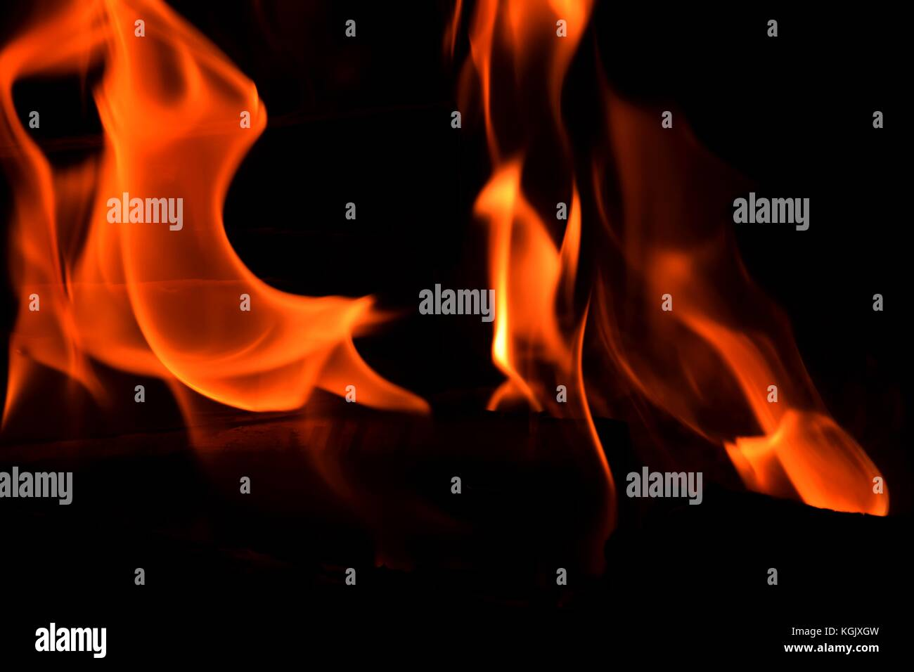 Color Fire Kaminofen Flames Are Burning Red Orange And Yellow Blazing Flames Stock