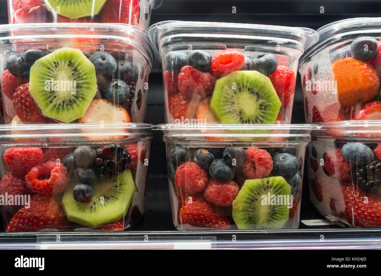 Fruit Bins For Sale Rasberries Stock Photos And Rasberries Stock Images Alamy