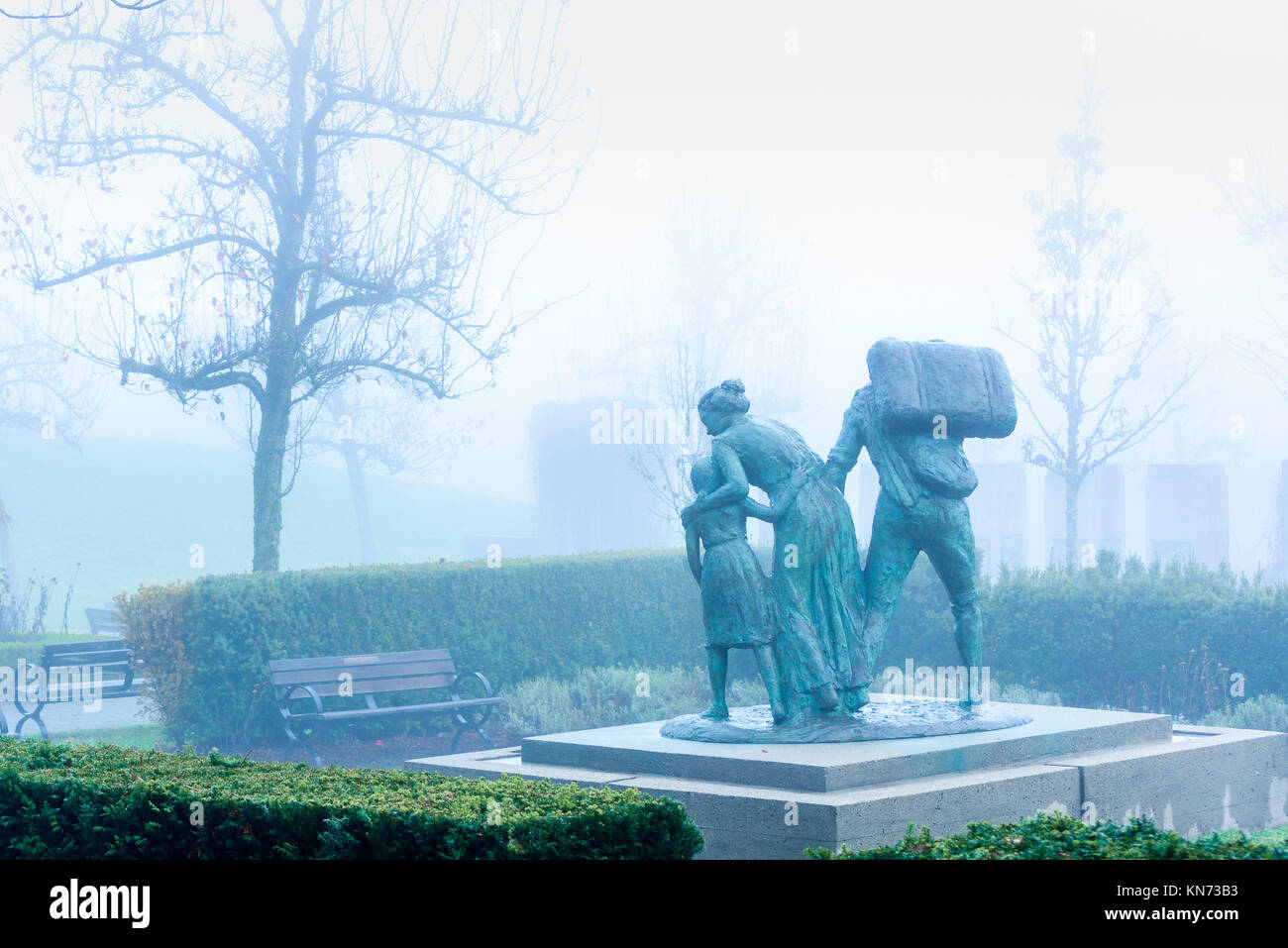 Immigrant S Memorial Monument Statue The Italian Garden