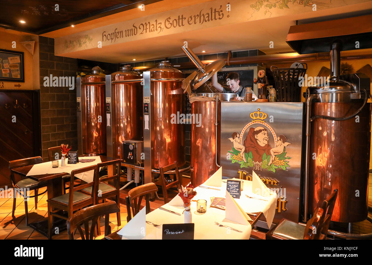 Blauer Engel Restaurant Aue Germany 16th Nov 2017 Brewing Master Willi Wallstab Stands